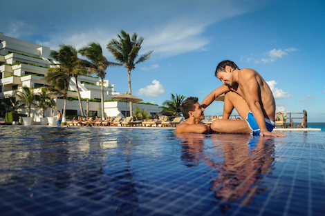 Oasis Sens Gay Cancun