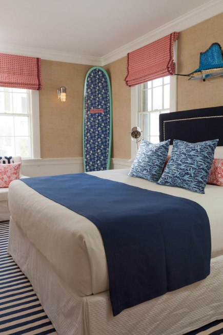 Vineyard-Vines-Suites-Lark-Hotels