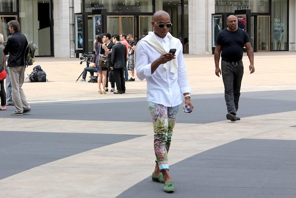 fashion-week-street-style-color-pants-andrew-villagomez-2