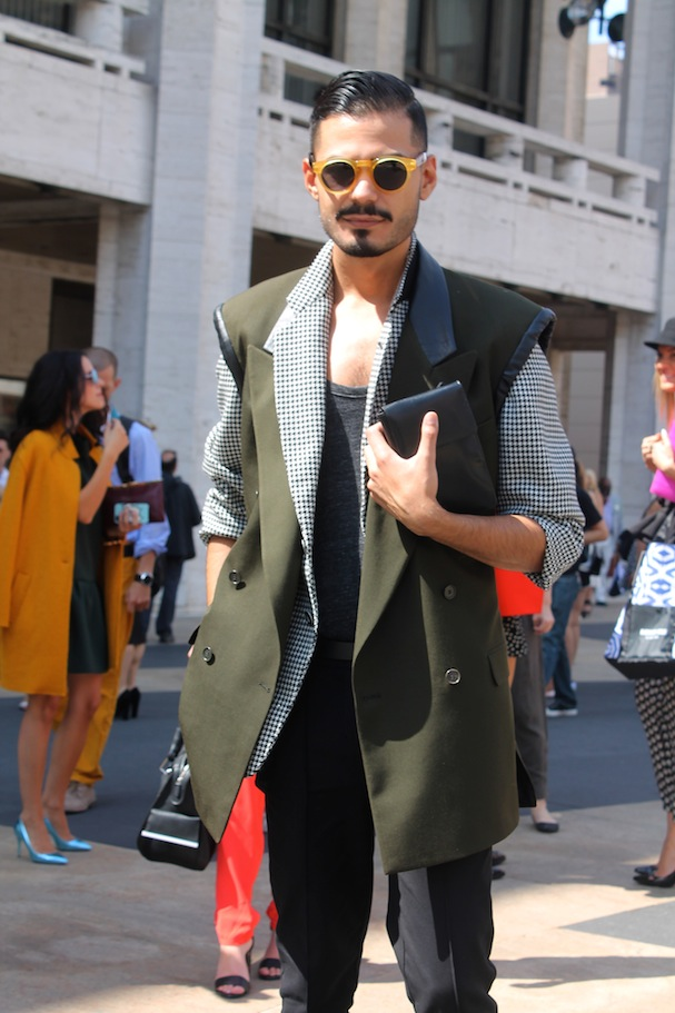 Nyfw street style casual cool looks found at fashion week vee travels - Simon porte jacquemus gay ...