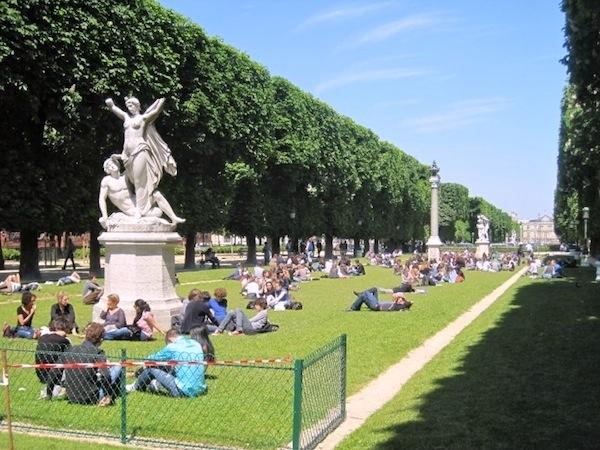 paris-luxembourg-gardens-photo-andrew-villagomez-1
