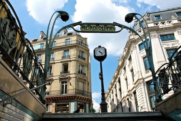 paris-metro-photo-andrew-villagomez