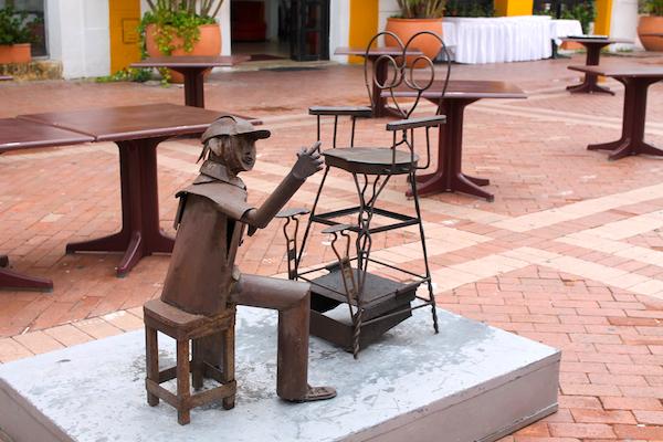 cartagena-old-city-historical-square-6