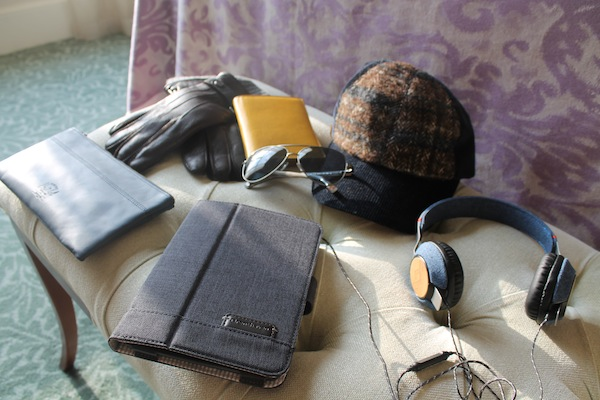 london-travel-winter-accessories