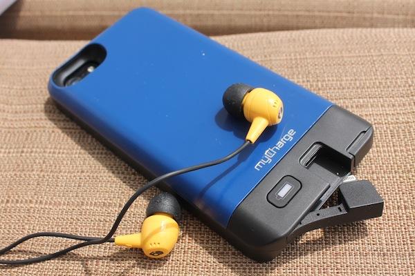 skullcandy-earbuds-mycharge-iphone-case