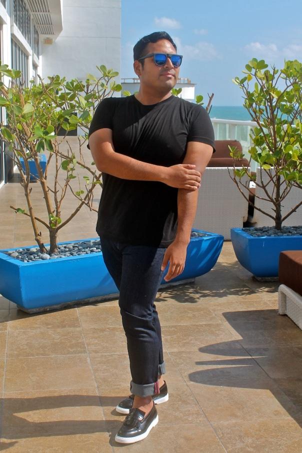 dressing-up-black-tee-luxury-shoes