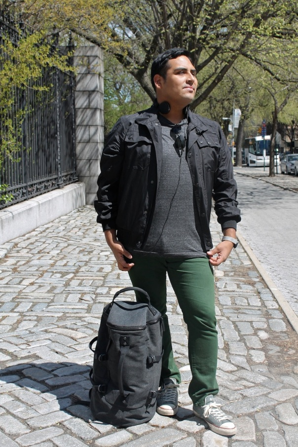 street-city-traveler-2