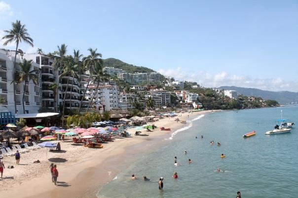 puerto-vallarta-los-muertos-beach-playa