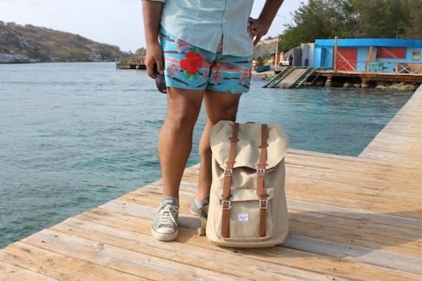 beach-explore-outfit-curacao-2