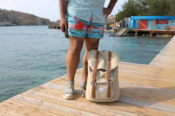 beach-explore-outfit-curacao-2