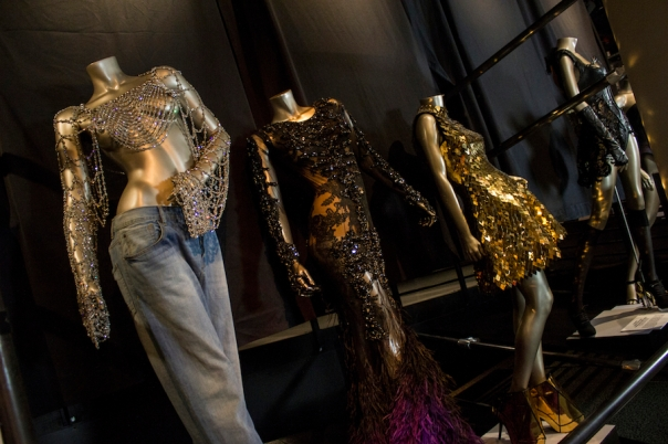 beyonce-exhibit-outfits-dresses
