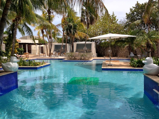 curacao-photos-21-floris-pool
