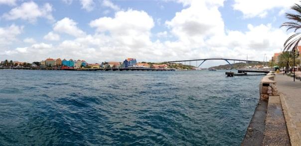 curacao-photos-bridge-bay