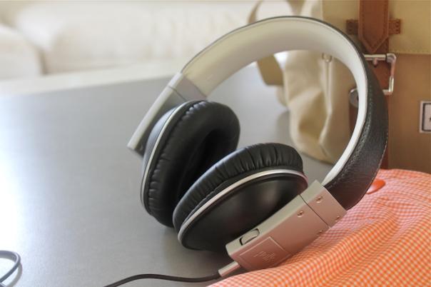 polk-audio-buckle-headphones