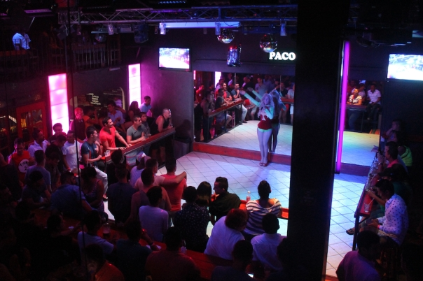 puerto-vallarta-gay-bar-pacos