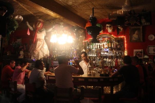 puerto-vallarta-gay-bar-renas