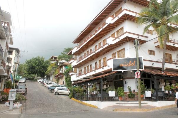 puerto-vallarta-michel-olas-altas