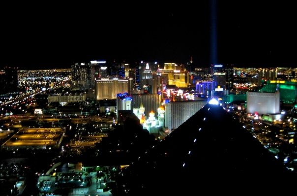 las-vegas-travel-40-vegas-night-sky