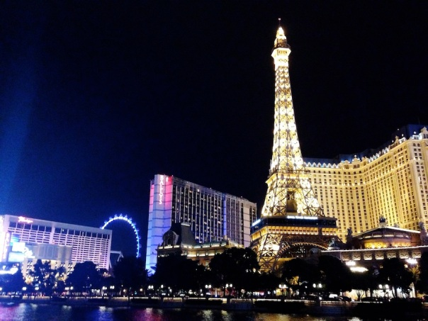 las-vegas-travel-7-strip-night-paris