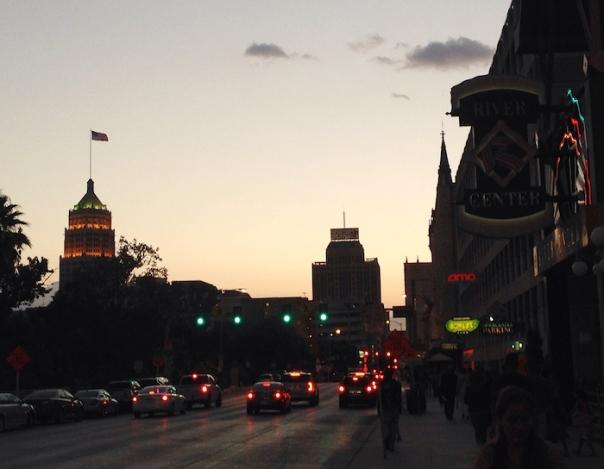 texas-san-antonio-night-streets