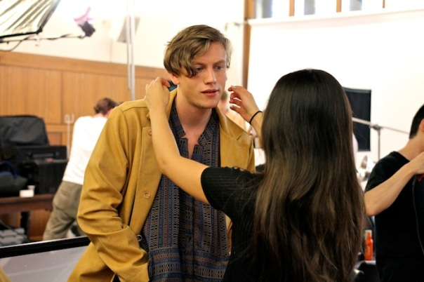 billy-reid-ss15-models-backstage-andrew-villagomez-11