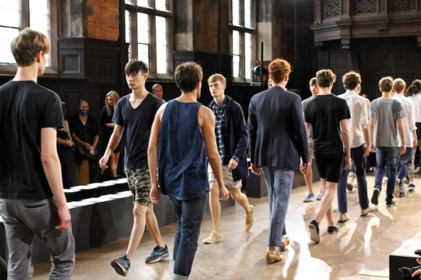billy-reid-ss15-models-backstage-andrew-villagomez-22