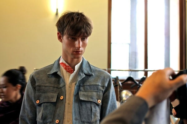 billy-reid-ss15-models-backstage-andrew-villagomez-30