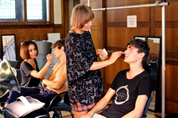 billy-reid-ss15-models-backstage-andrew-villagomez-9
