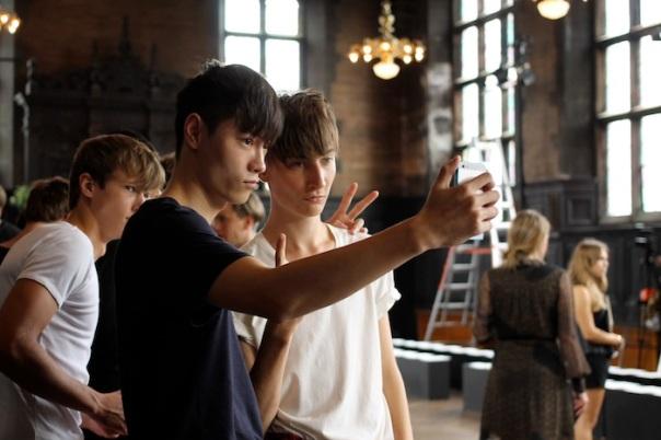 nyfw-billy-reid-models-selfie-andrew-villagomez-