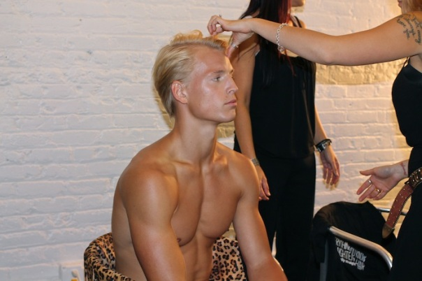 parke-ronen-models-backstage-fashion-week-andrew-villagomez-3