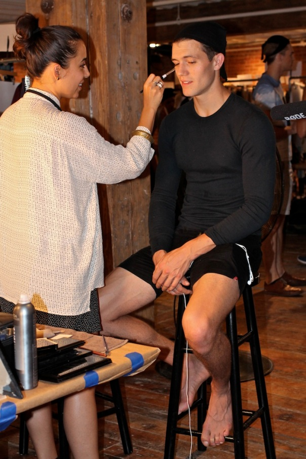 perry-ellis-spring-2015-backstage-andrew-villagomez-12