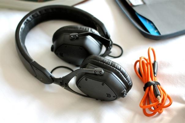 v-moda-xs-headphonesJPG