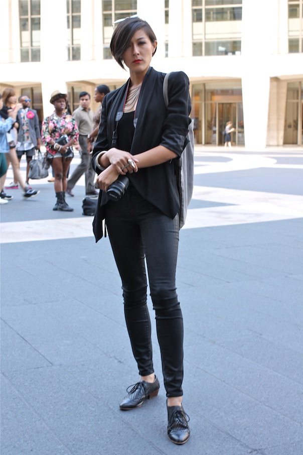 Stylish Women From New York Fashion Week Ss15 Street Style Vee Travels
