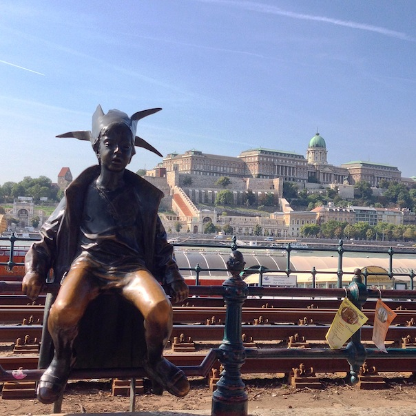 budapest-travel-photos-8-Kiskirálylány-parliment