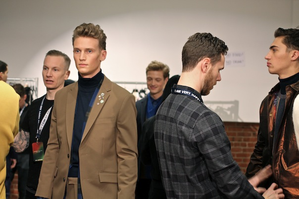 perry-ellis-fall-winter-2015-backstage-37