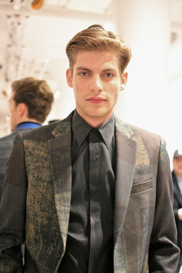 perry-ellis-fall-winter-2015-backstage-40