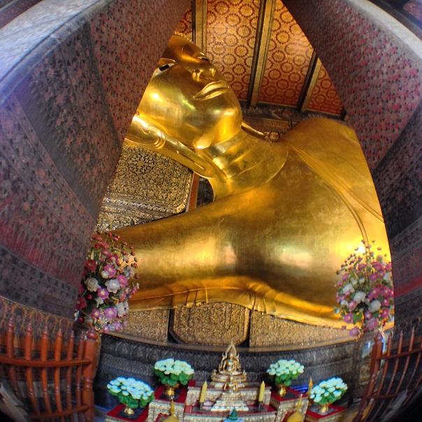 bangkok-reclining-buddha-statue-temple
