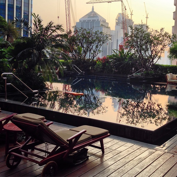 bangkok-roof-top-pool