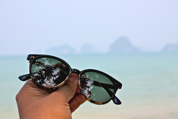 toms-sunglasses-beach-summer-travel
