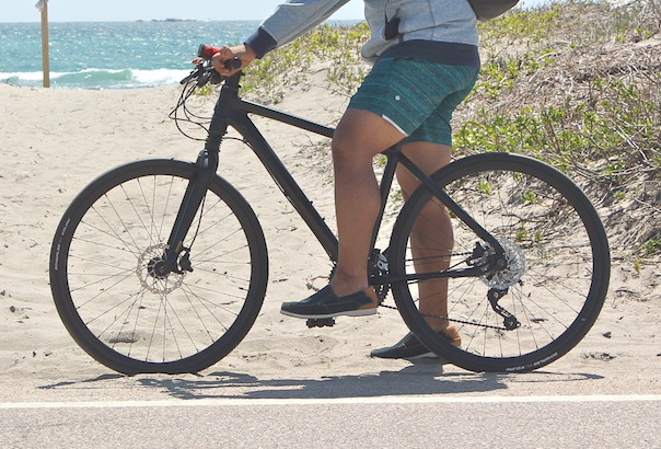 newport-biking-lululemon-cannondale-outdoor-tech