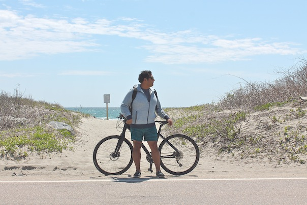 newport-biking-lululemon-cannondale