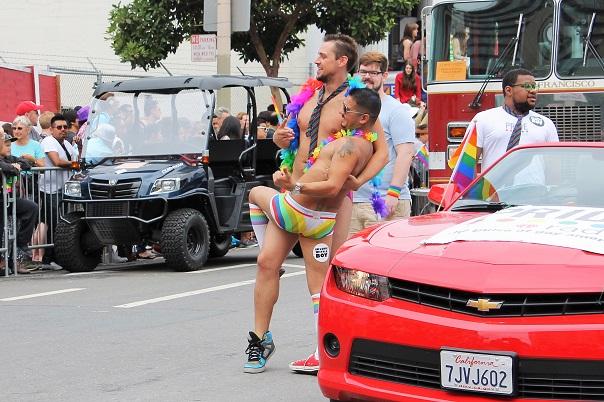 san-francisco-lgbt-pride-2015-12-parade