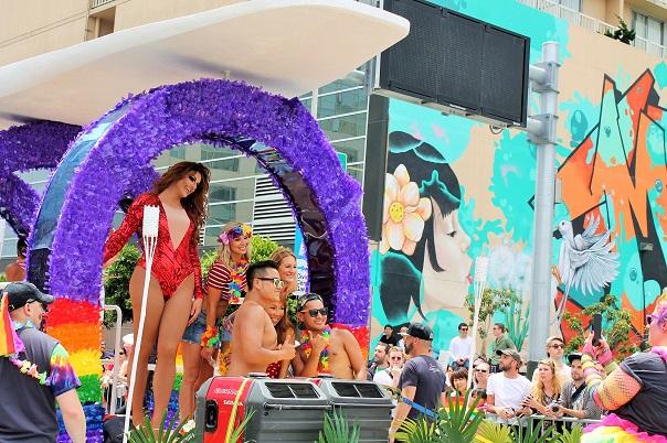san-francisco-lgbt-pride-2015-17-parade