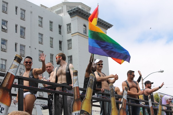 san-francisco-lgbt-pride-2015-2-parade-men