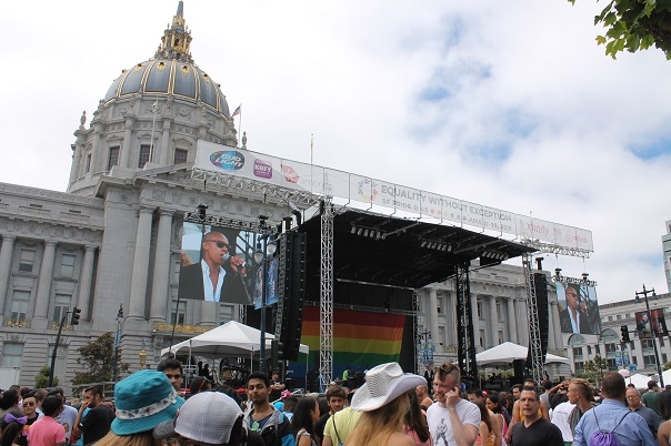 san-francisco-lgbt-pride-2015-25-civic-center-court-festival