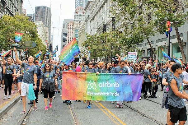 san-francisco-lgbt-pride-2015-8-parade-airbnb