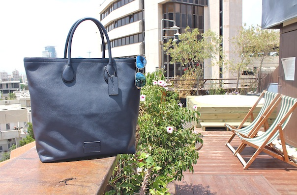 summer-travel-style-tel-aviv-14-coach-tote