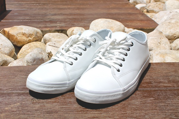 summer-travel-style-tel-aviv-8-banana-republic-white-sneakers