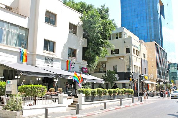 tel-aviv-gay-flags-2