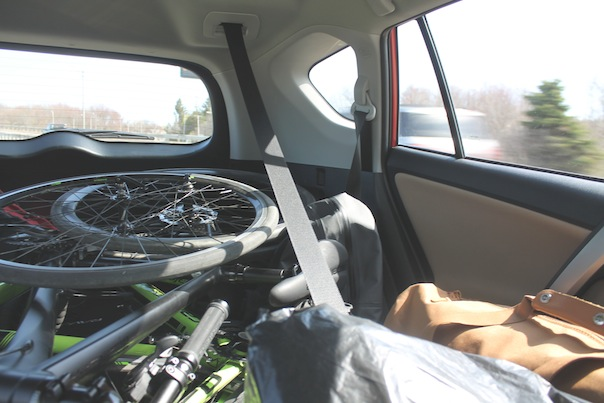 toyota-rav4-car-interor-trunk-space